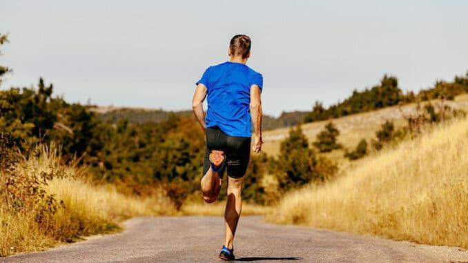 Løber der træner Intervaltræning